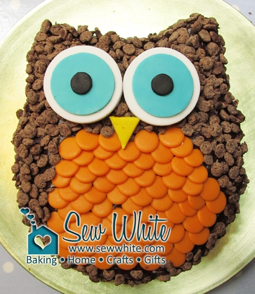 Sew White easy owl cake tutorial 1