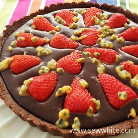 Sew White Chocolate Ganache, Strawberry and passion fruit tart 01