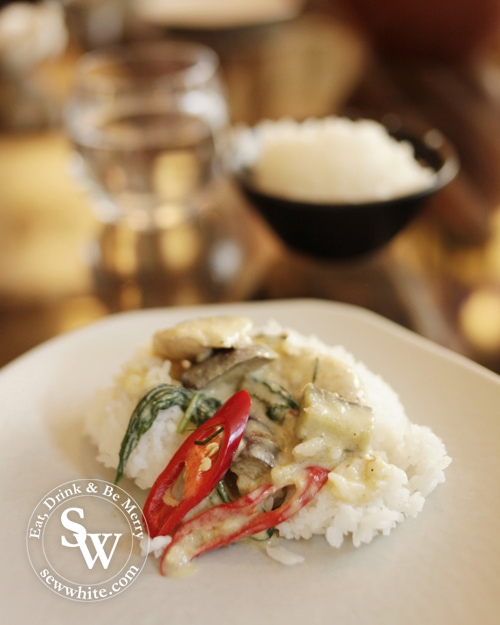 patara wimbledon village cookery day with Chef Tam creating the iconic thai green curry with fresh chillies.