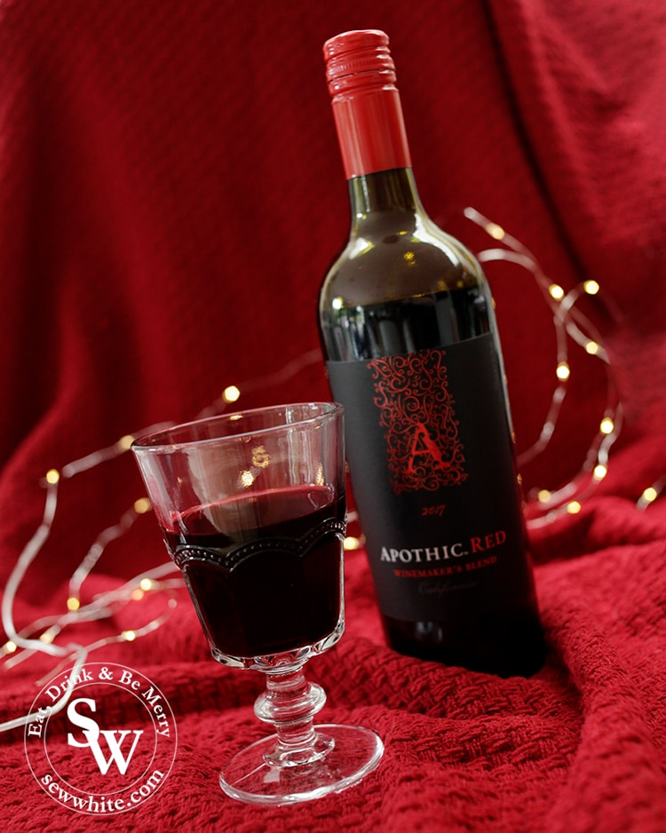 Top 5 Drinks for Christmas 2019 with Apothic Red wine