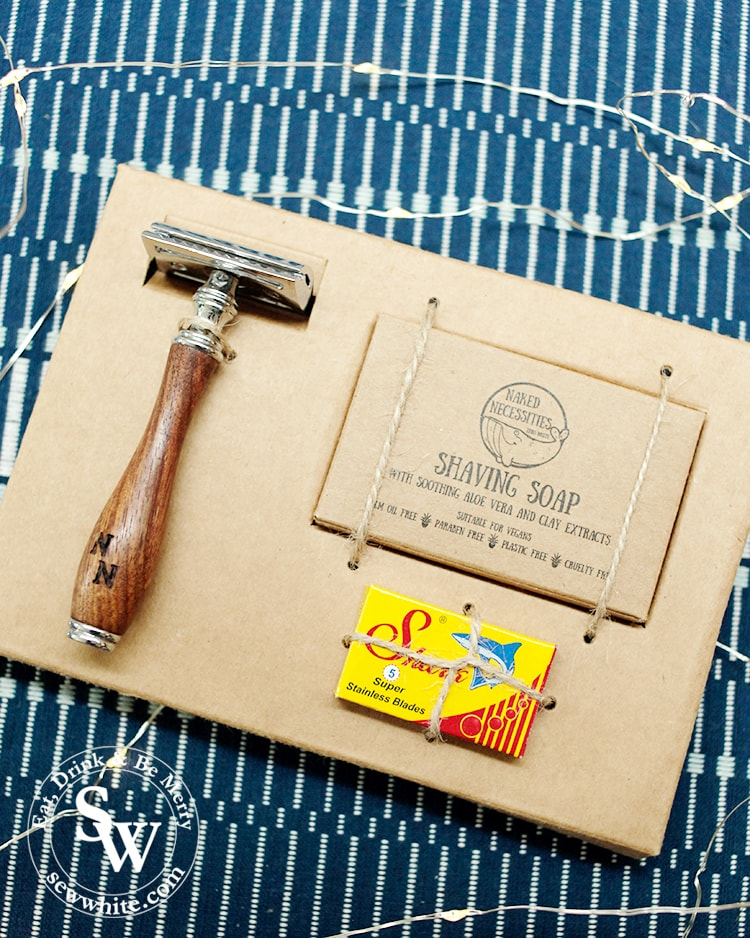 Shaving set from waste free shop the Kind Co Ireland in the top 5 Eco Gifts for Christmas