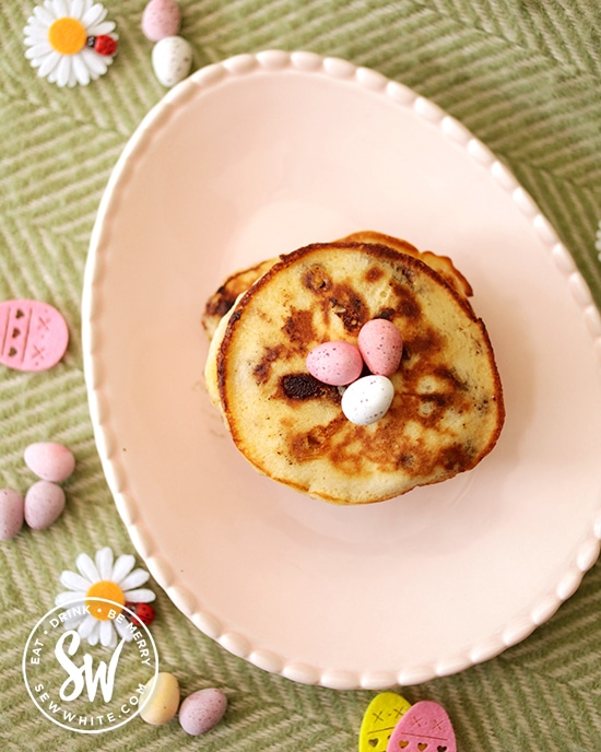 mini egg pancakes in the 25 Recipes Using Mini Eggs round up