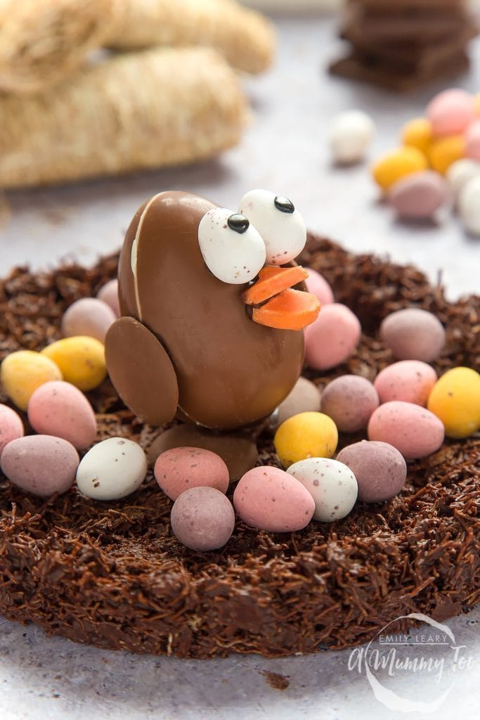 A Mummy Too has created this gorgeous Easter chocolate egg chick in a wheaty chocolate nest