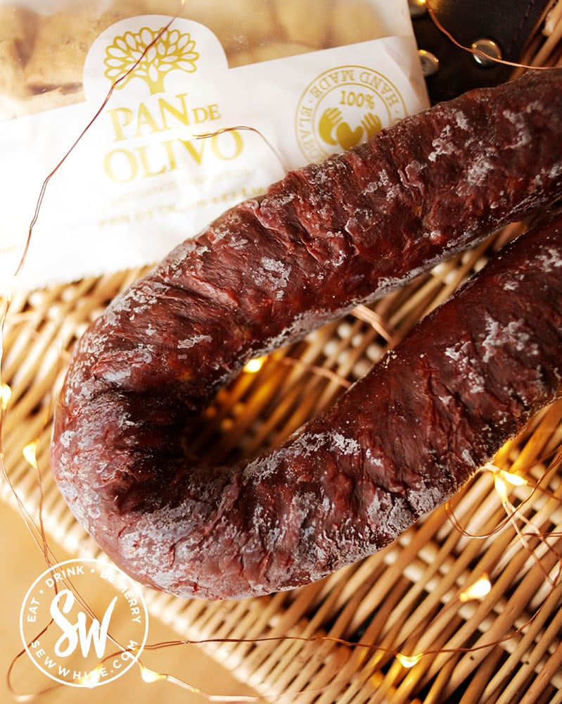 Spicy chorizo horse shoe from Ojos Foods for the Eat Gift guide