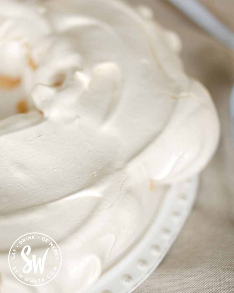 The cooked meringue ready to be decorated