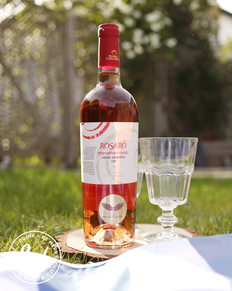 best picnic accessories - the best wines for a picnic from Rosaro wines